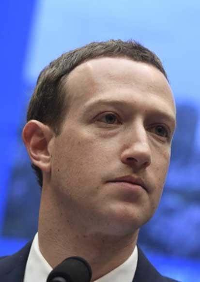 """کشتی """"فیسبوک"""" به گل مینشیند؟"""