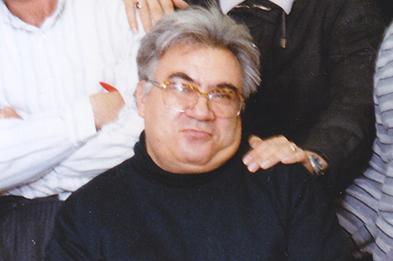 درگذشت روزنامه نگاری که از پله های قدرت بالا نرفت